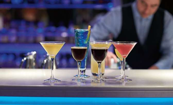 Cocktailbar bij Cruiseschip Eurodam